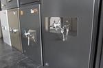 Доставка на сейфове за магазин за бижута за град