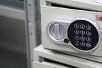 Малки и големи сейфове за училища