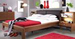 Поръчка на спалня с висока основа и нестандартно нощно шкафче 19-2618