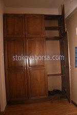 дървен гардероб от масив