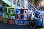 изработка на стелажи за детски магазин